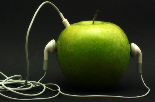 Apple | Manfredi Caracausi