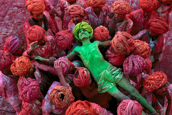 Fun and games, Steve-McCurry-16